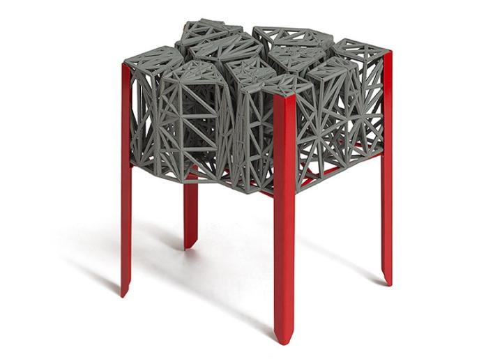 Столик на ножках от Эзри Тарази