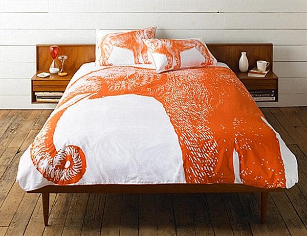 Изображение слона на постельном белье