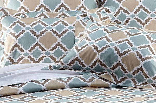 Сине-коричневая геометрия на постельном белье