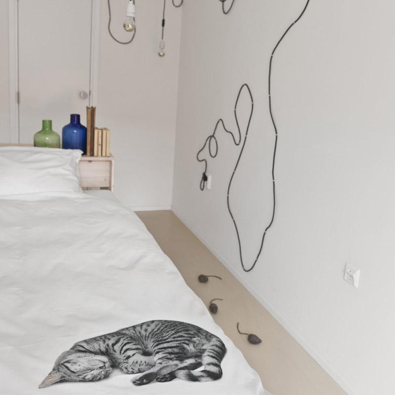 Белоснежный интерьер спальной комнаты
