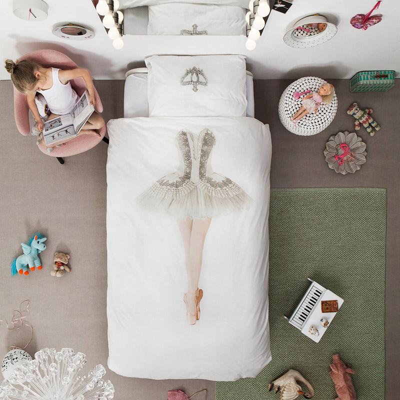 Одежда балерины на постельном белье от SNURK