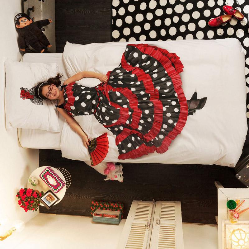 Девочка в платье на постельном белье от SNURK