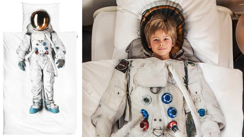 Космонавт на постельном белье от SNURK