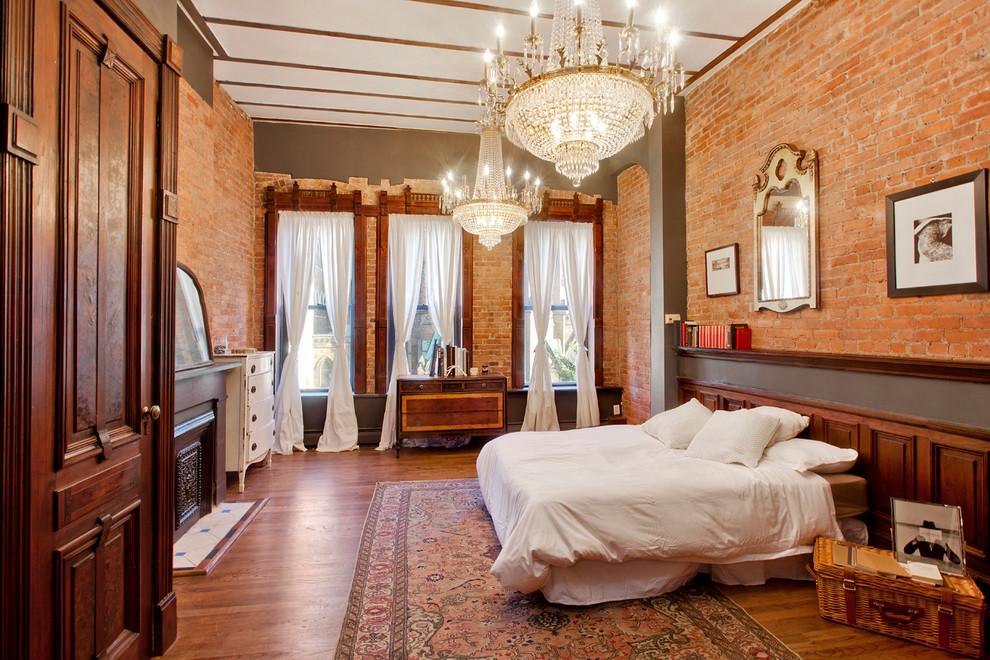 Постельное белье белого цвета в деревенском спальне