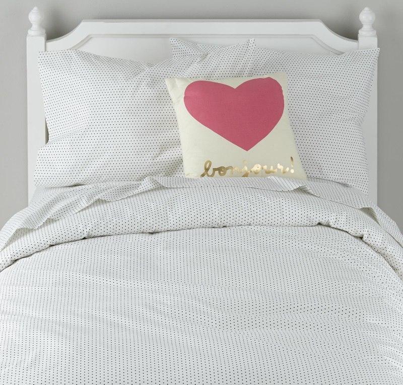 Подушка с сердцем