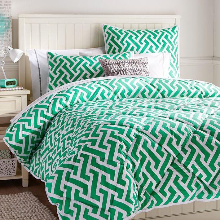 Зеленый геометрический рисунок на постельном белье