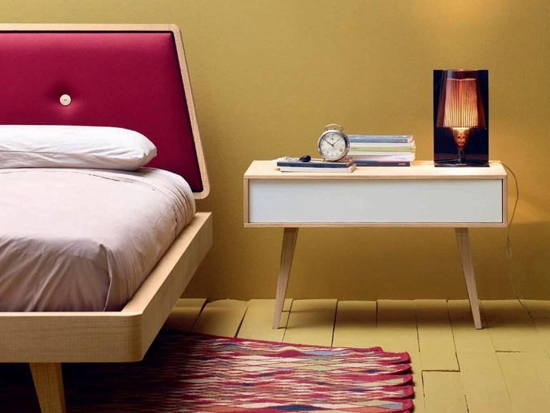 Уникальная тумбочка для хранения мелочей у кровати