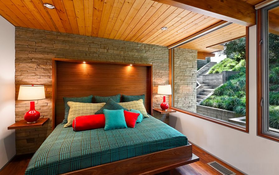 Прекрасная тумбочка для хранения мелочей у кровати