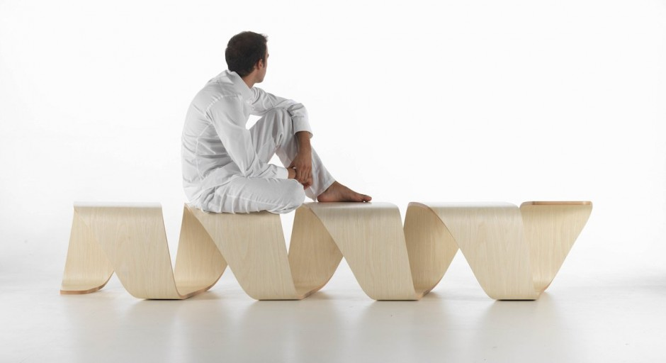 Красивая структура скамейки True Design от Leonardo Rossano