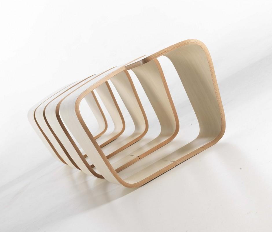 Аккуратное строения скамейки True Design от Leonardo Rossano