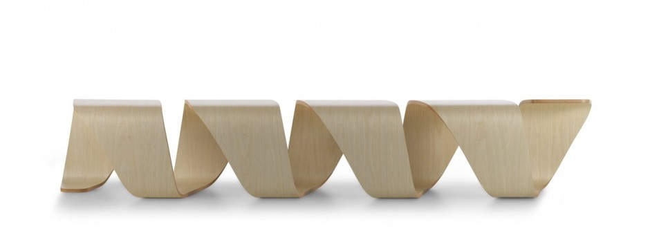 Удобная скамейка True Design от Leonardo Rossano