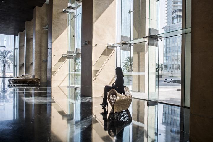 Замечательная обтекаемая скамья от дизайнера Matthias Pliessnig