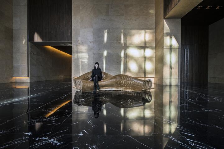Восхитительная обтекаемая скамья от дизайнера Matthias Pliessnig