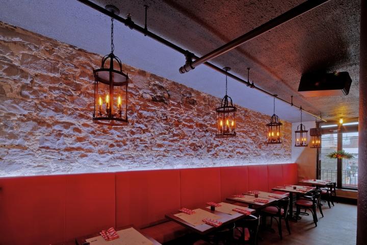Превосходное освещение пиццерии и бара Bevo в Монреале