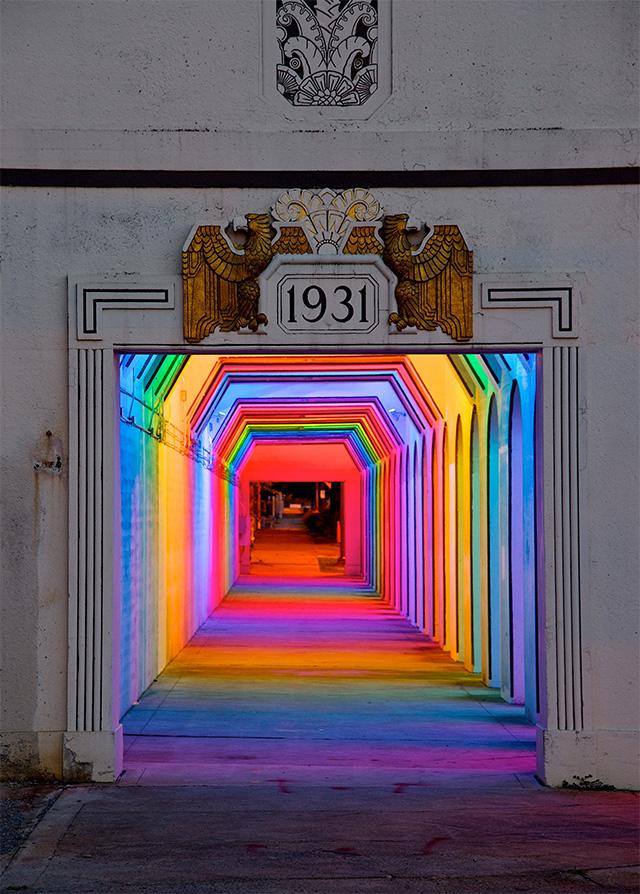 Уникальный световой портал от Bill FitzGibbons