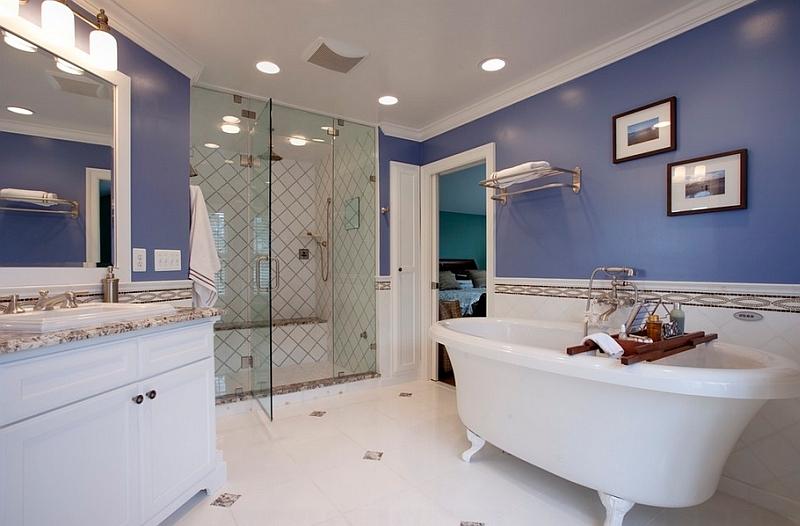Ванная с насыщенным синим оттенком