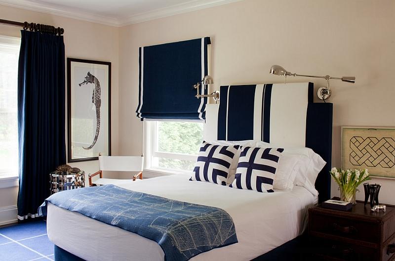 Лаконичная спальня в сине-белых тонах