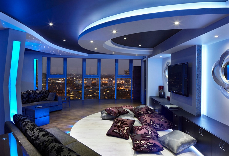 Гостиная в синих тонах с видом на Лондон