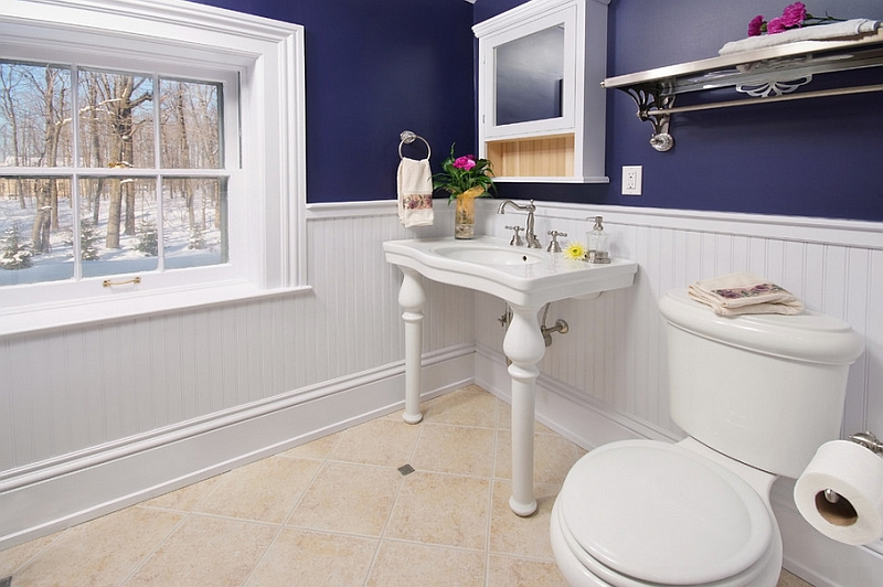 Традиционная ванная в сине-белых цветах