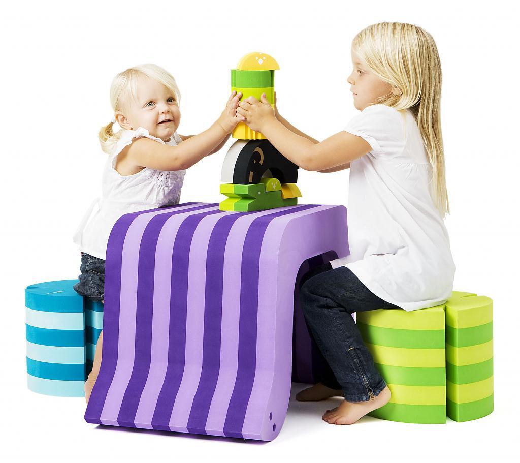 Мебель-тратсформер для творчества и игр
