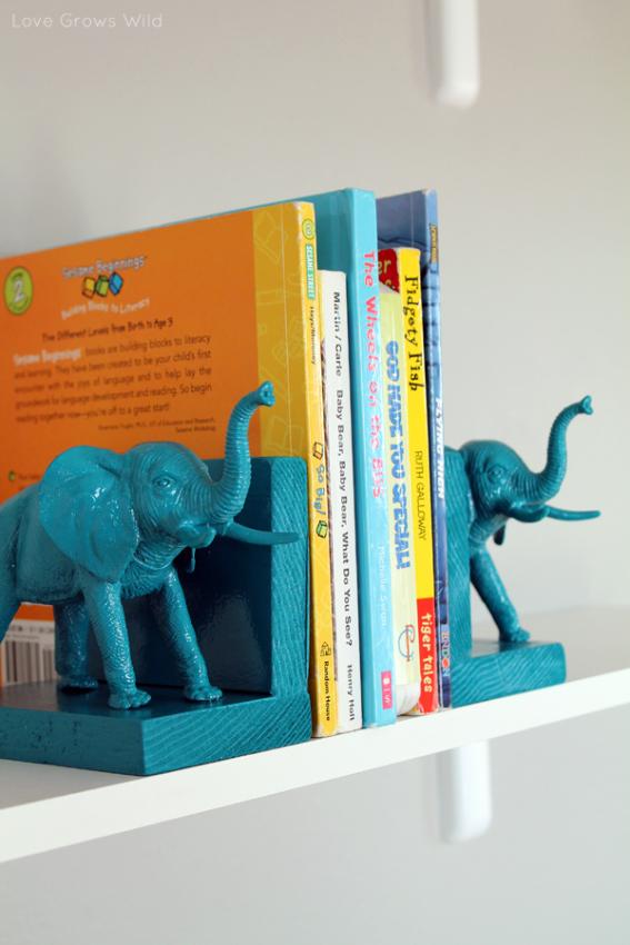 Прекрасная полочка для книг в виде бирюзовых слонов
