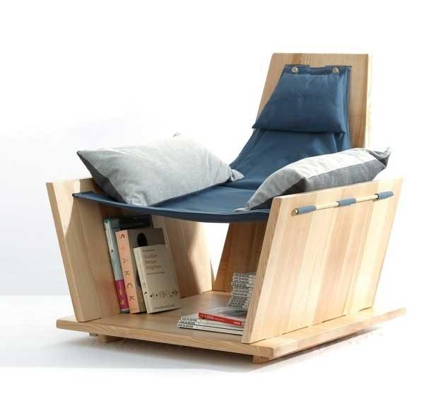 Кресло с местом для хранения книг