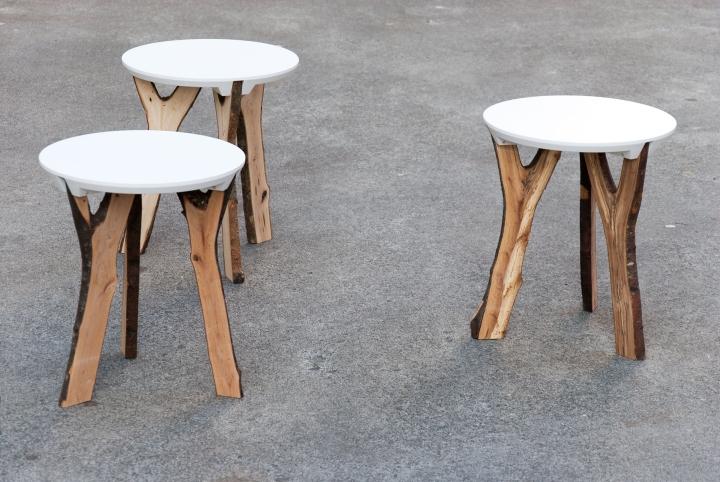 Чудесные экологические табуреты Branch stool от schindlersalmerón