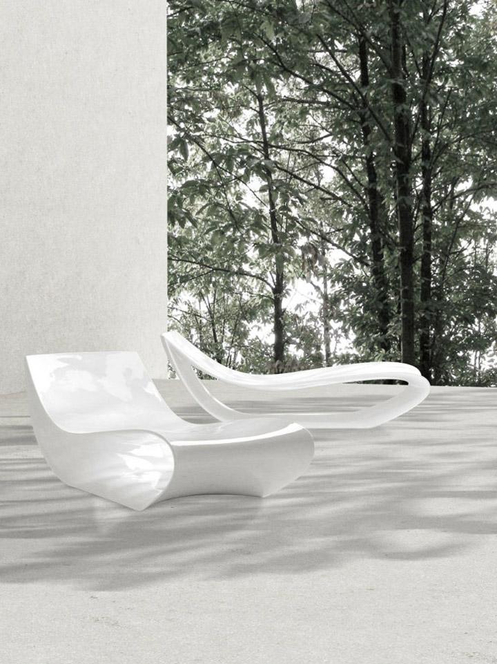 Уникальное-шезлонг в белом цвете от компании MDF Italia