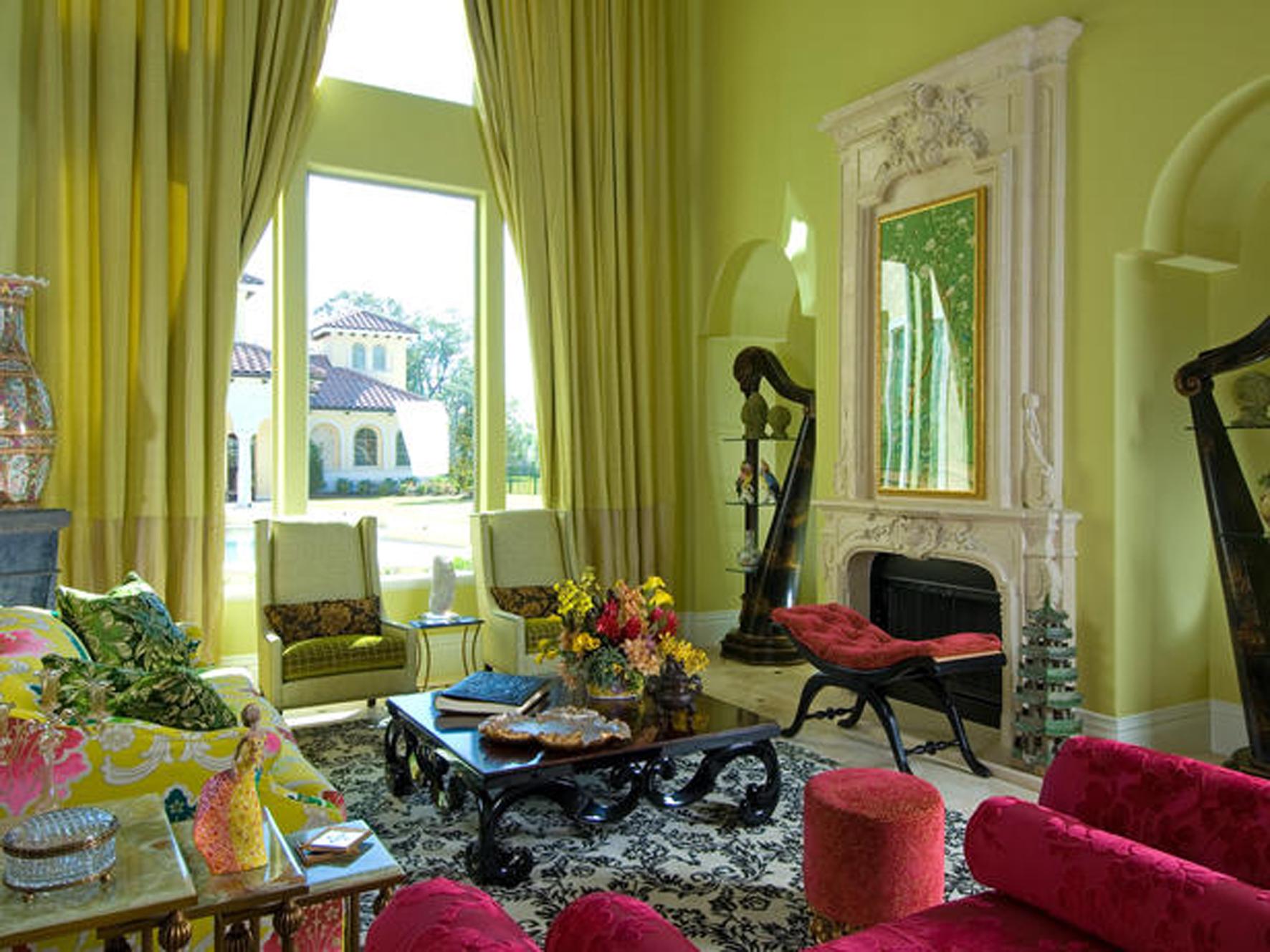 Зеленое оформление интерьера гостиной