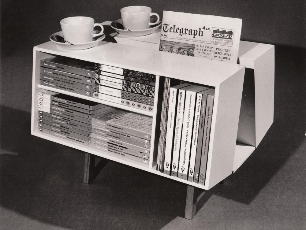 Британский стиль в дизайне - стол Penguin Donkey
