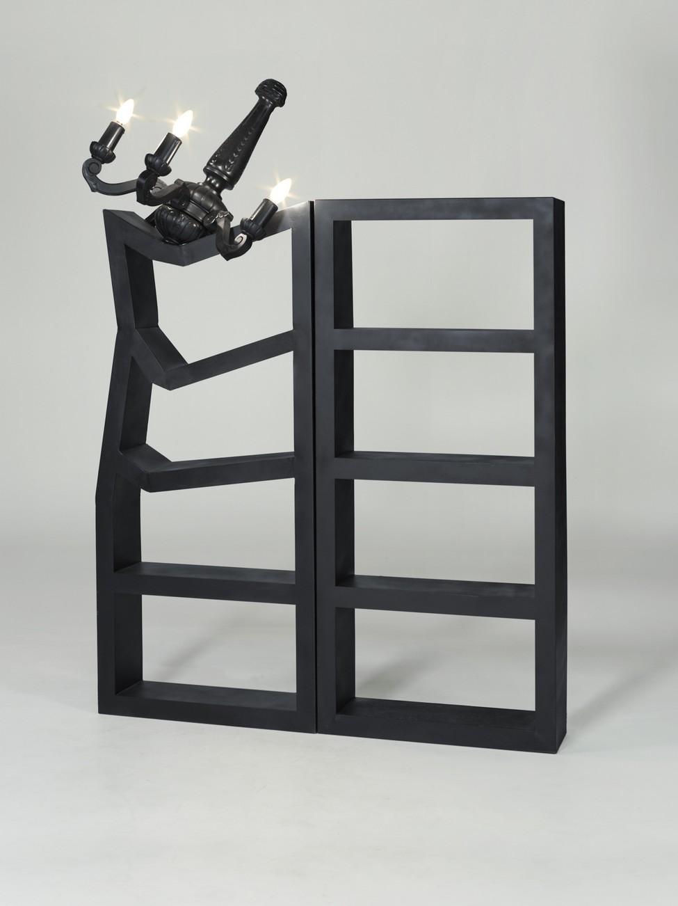 Стеллаж из комплекта Broken Furniture