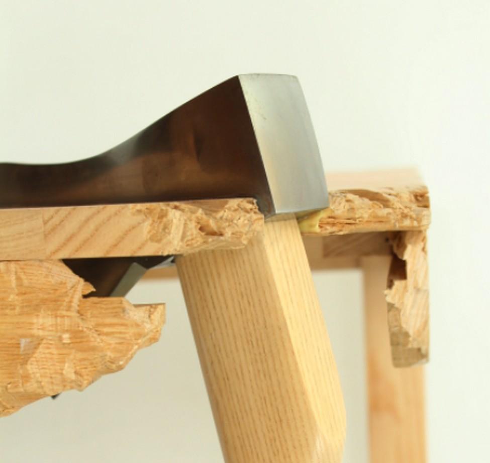Умопомрачительный стол из комплекта Broken Furniture