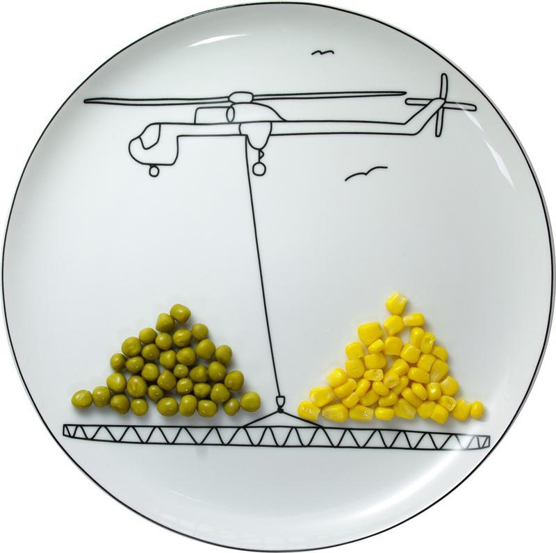 Забавная тарелка-игрушка от Богуслава Сливински - превращение приёма пищи в увлекательную игру