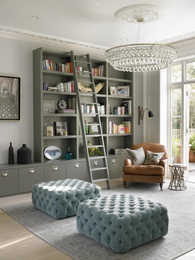 Встроенный шкаф в дизайне интерьера комнаты