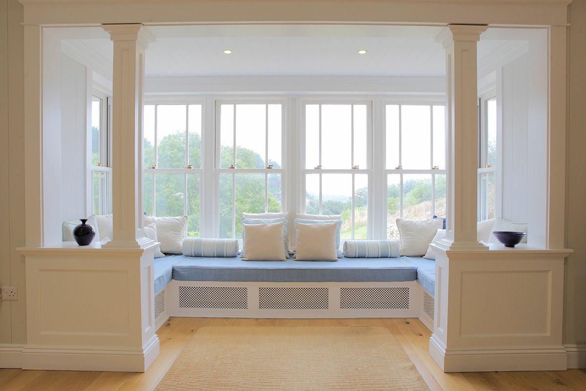 Гостиная с двумя окнами - 72 фото замечательных дизайнерских.