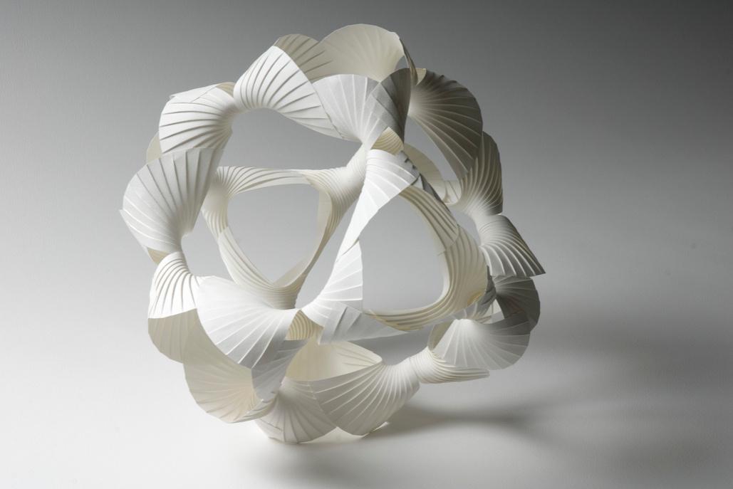 Объёмные бумажные скульптуры Ричарда Суини: скульптура в форме шара