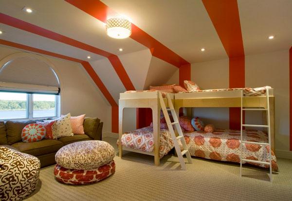 Двухъярусные кровати с лестницами для четверых детей