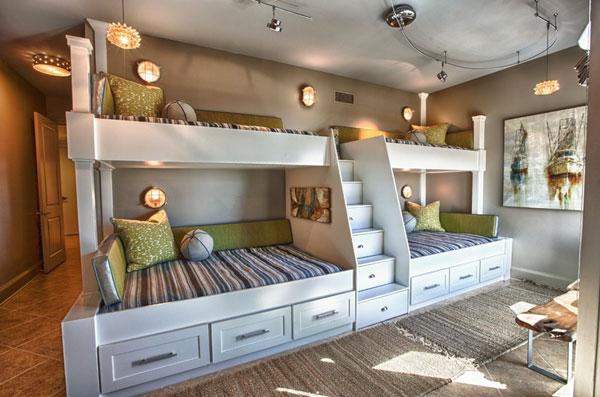 Двухъярусные кровати для четверых детей