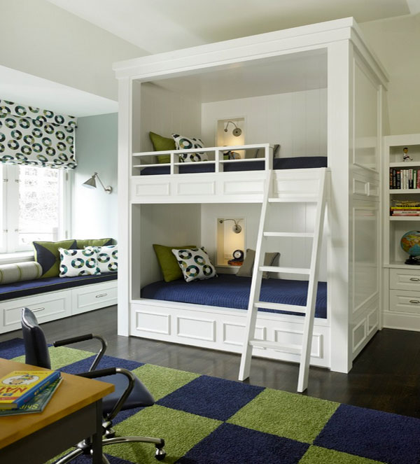 Двухъярусная кровать для двоих детей