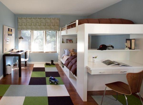 Двухъярусная кровать с письменным столом для двоих детей