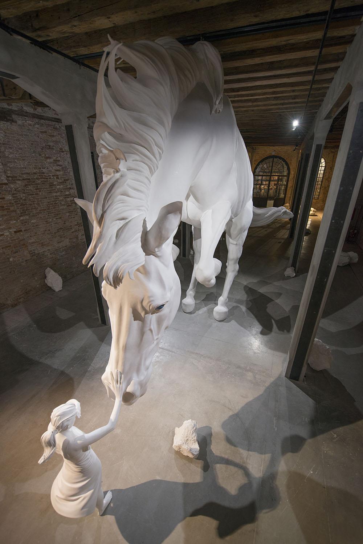 Скульптурная инсталляция от Клаудии Фонтес на 57 биеннале в Венеции