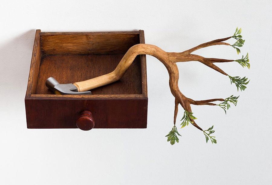 Камиль Качани: скульптурная деревянная мебель и другие арт-объекты из экспериментальной коллекции