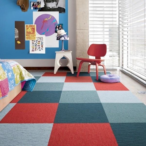 Великолепный дизайн интерьера с помощью ковровой плитки