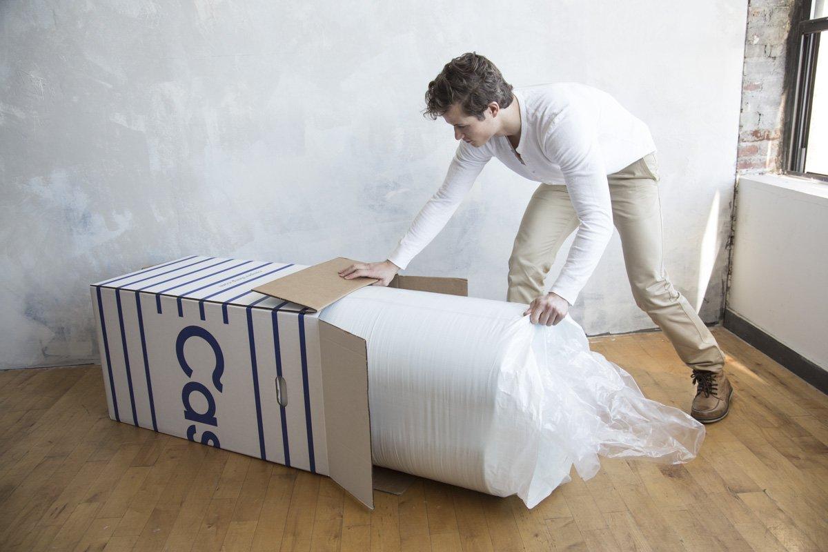Матрац в картонной коробке