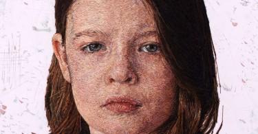 Кейси Заваглия: вышитые портреты в стиле нового пуантилизма