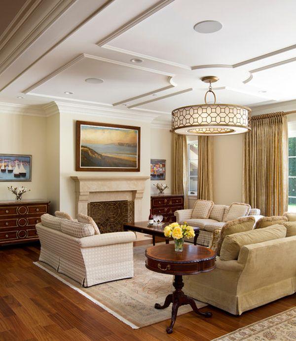 Интерьер уютной гостиной в светлых тонах