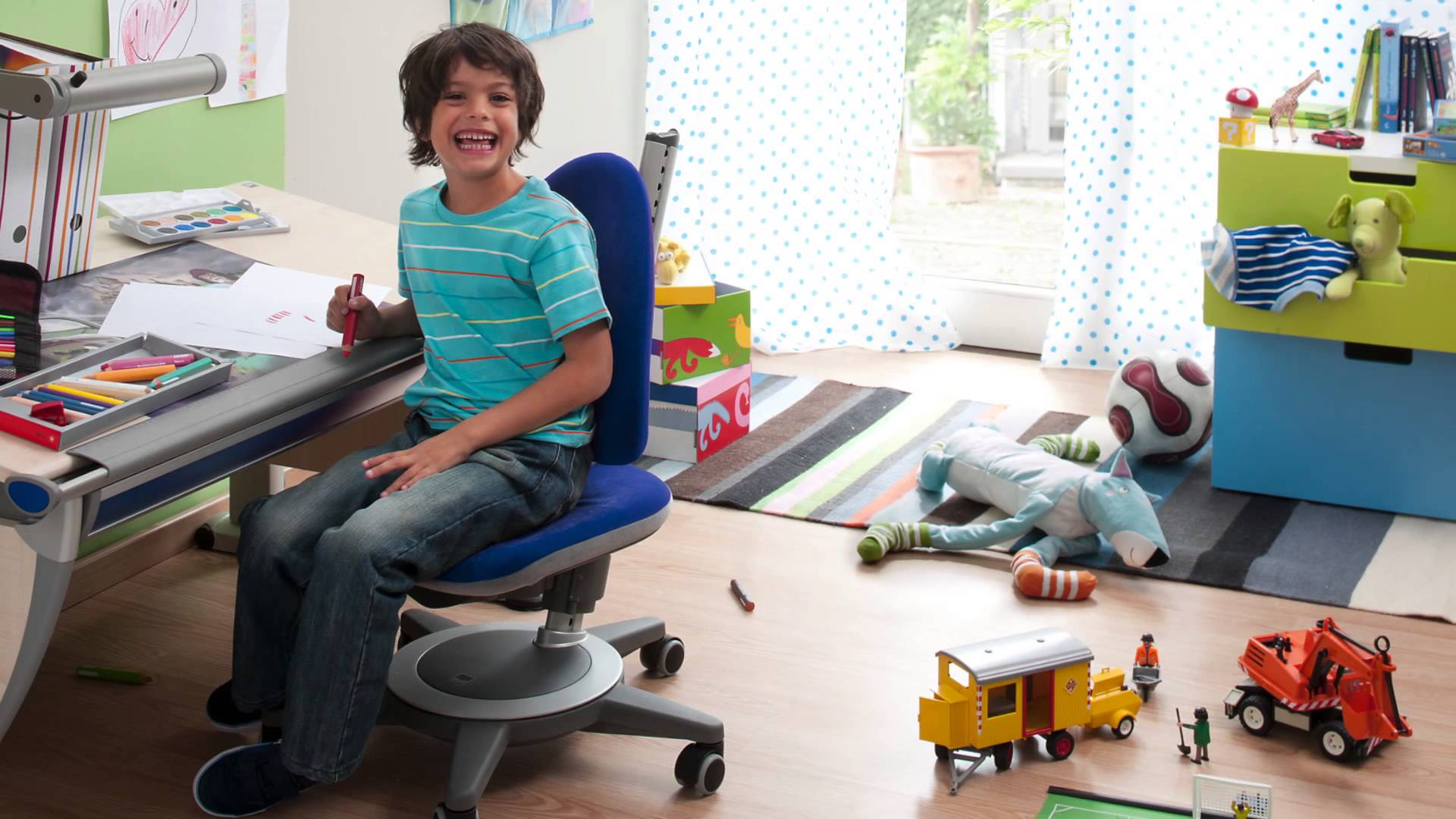 Прекрасный детский стул Maximo Forte от компании Moll