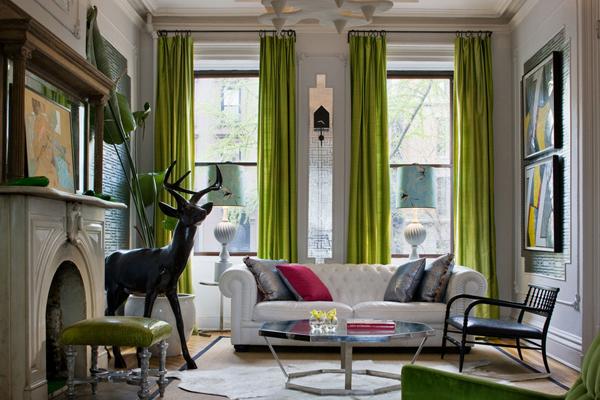Превосходный белый диван в гостиной