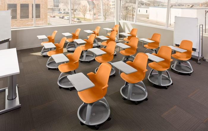 Студенческий стол с креслом Node от Steelcase