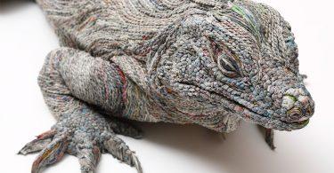 Новая жизнь старых газет: потрясающе реалистичные скульптуры животных от Чье Хитоцуяма